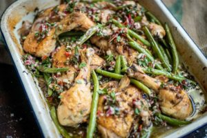 5033 Tray Baked Chicken with Green Beans and Lentils - FEATURE