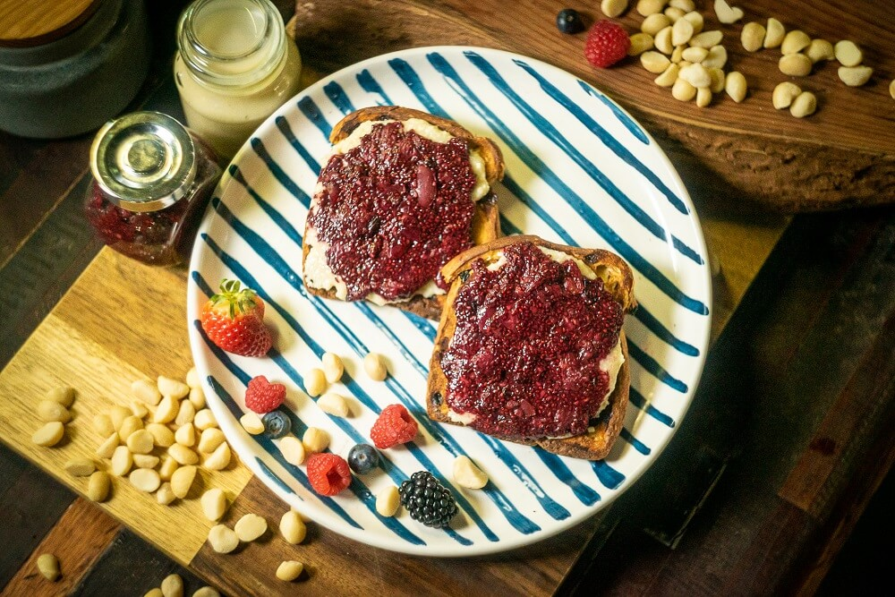 HORT12 Berry Grape Jam and Macadamia Nuts Butter Toast3 - FEATURE