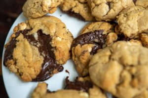 6081 Double Chocolate Chip Cookies 3 - HEADER