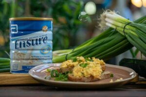 ABB005 Spring Onion Scrambled Eggs 2 - FEATURE
