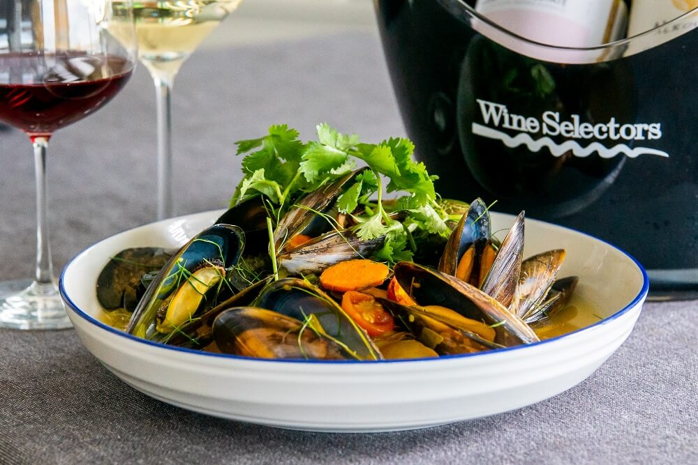 6133 Tom Yum Mussels (Great Southern) 1 - FEATURE