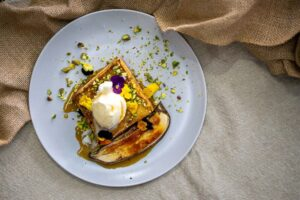 6199 Brioche french toast with bruleed banana 2 - HEADER
